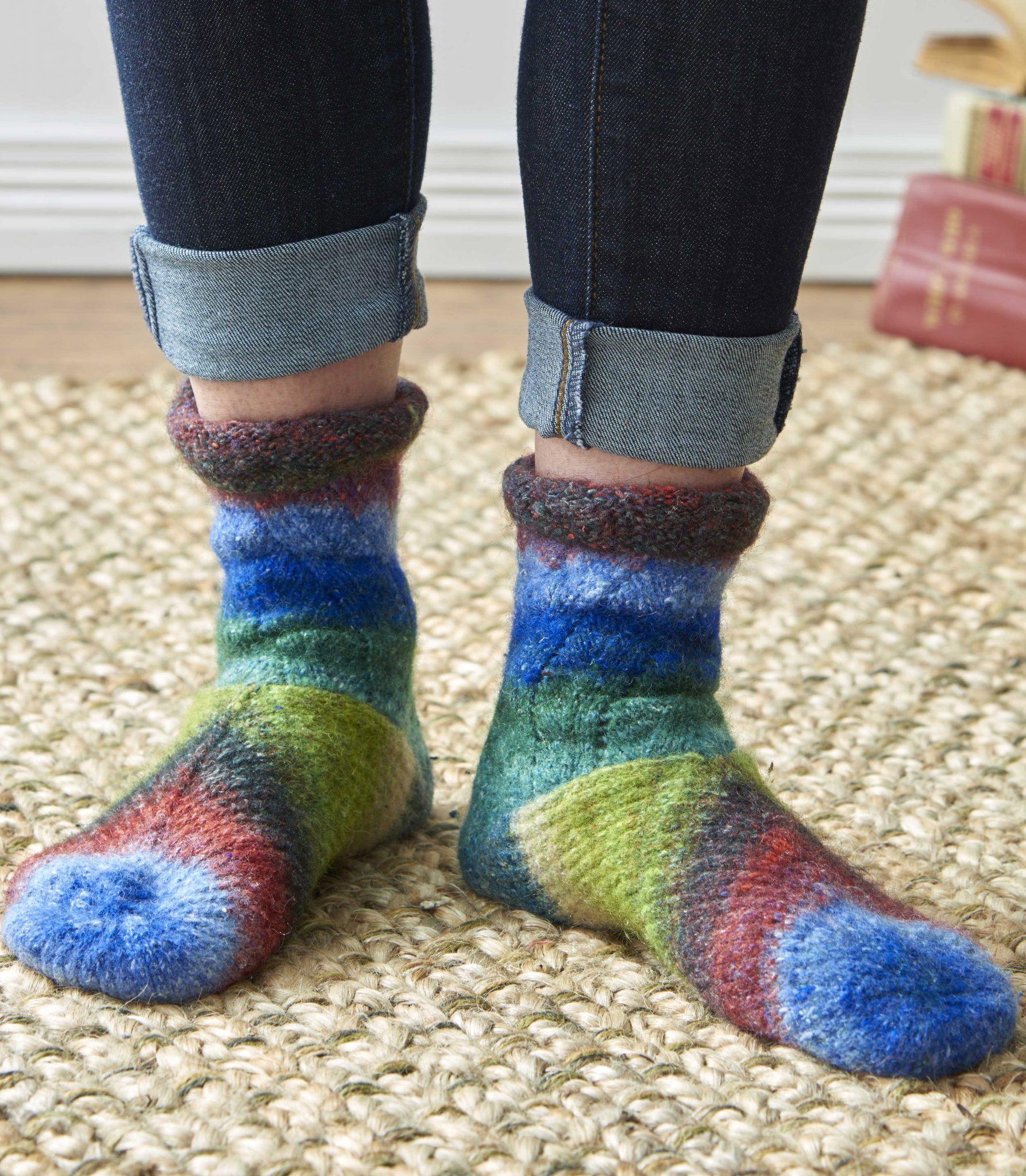 Tilt-A-Whirl Socks–The Beginning